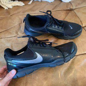 Black nike running sneakers shoes 9